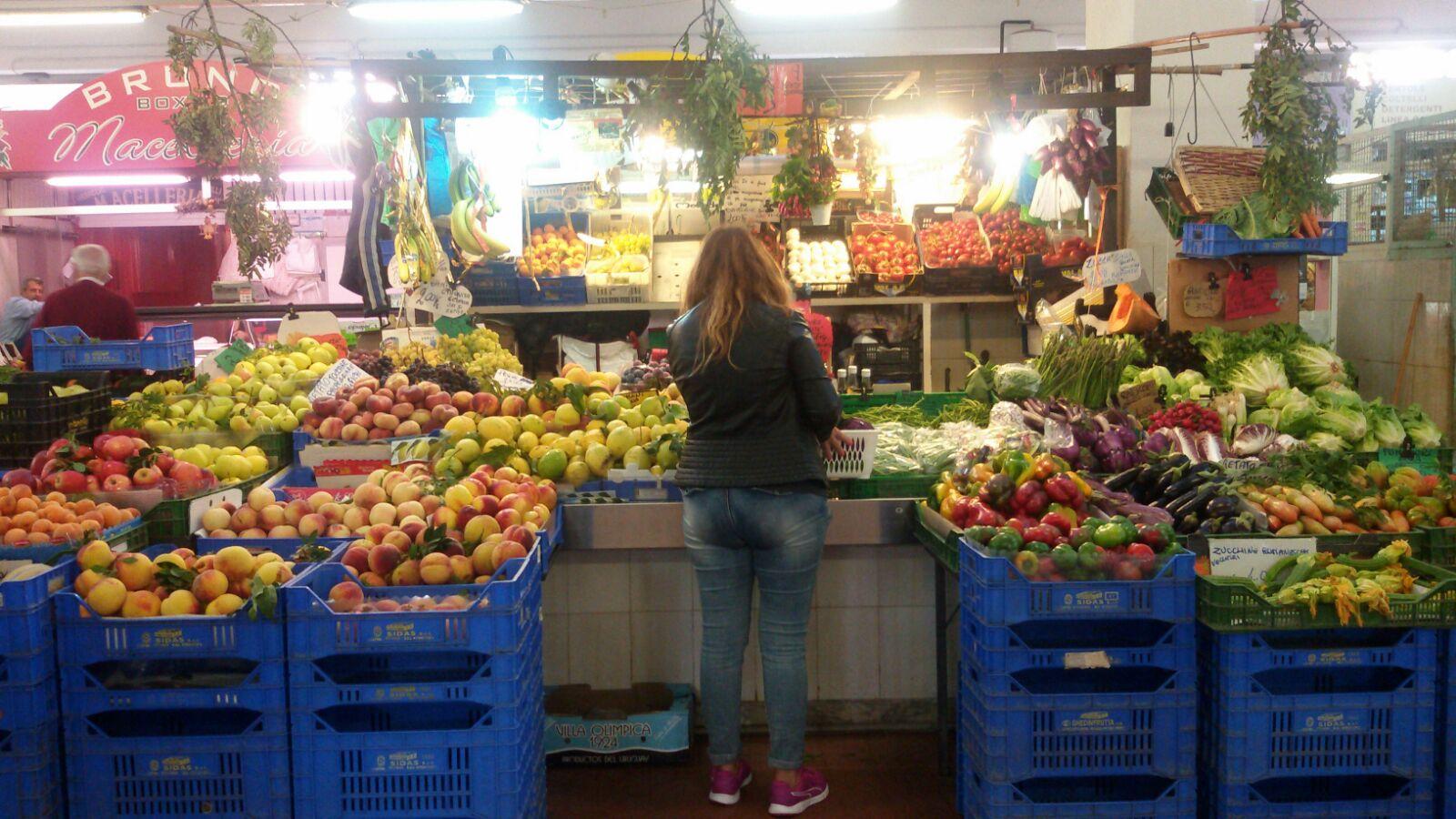 mercato di Centocelle a piazza delle iris