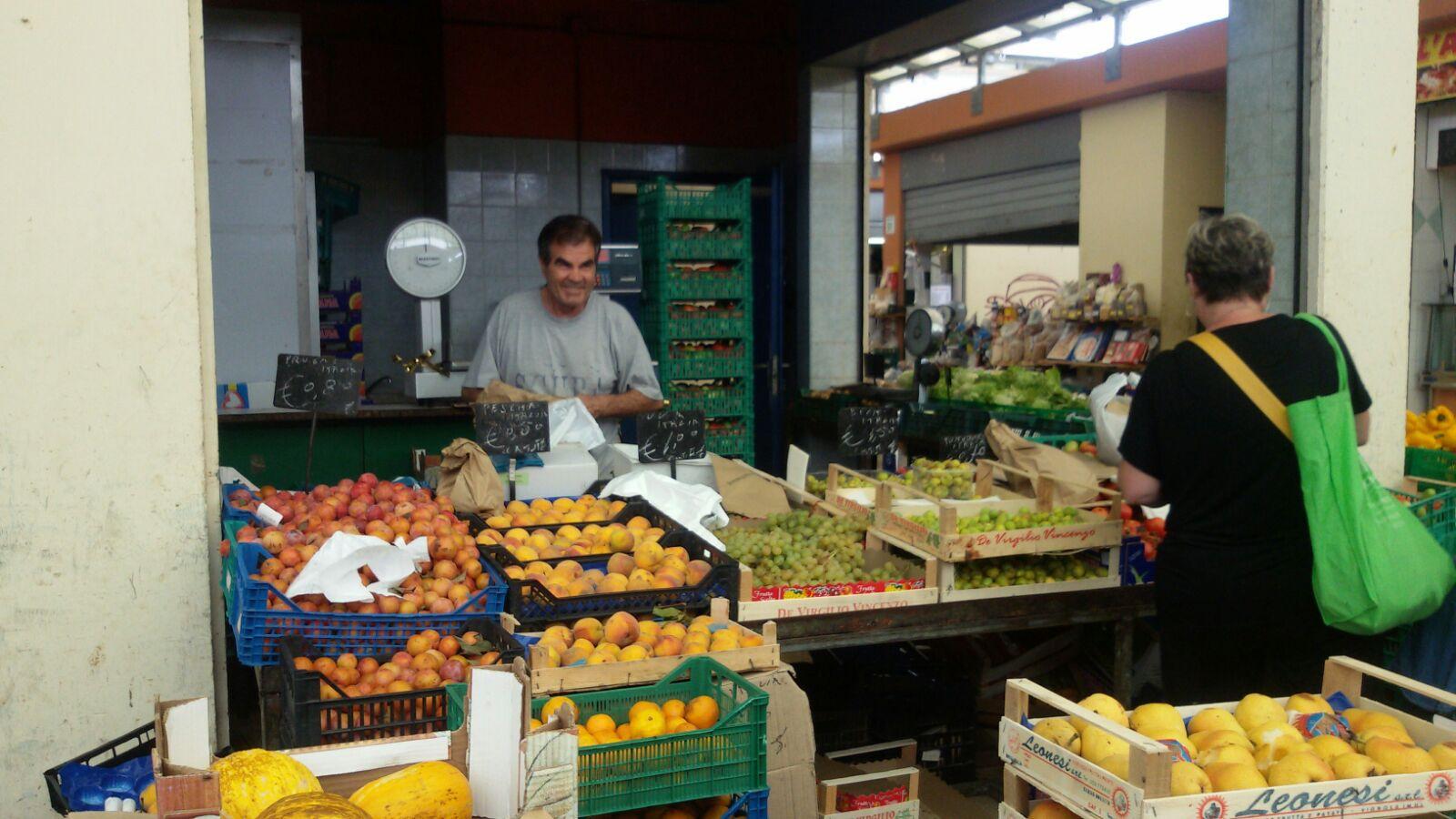 mercato viale della primavera a Centocelle